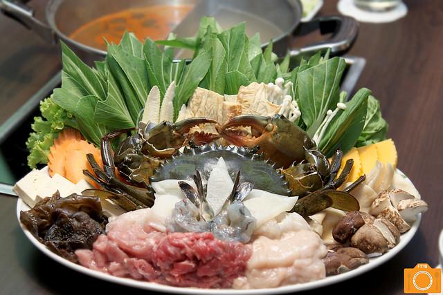 Coca Emperor's Platter with Ojiya