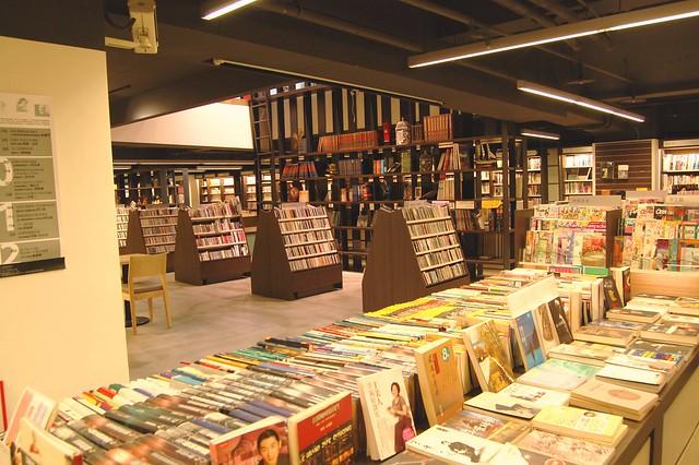惠文高中校刊社:舊書開出新的芬芳-茉莉二手書店