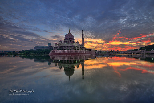 putrajayalake putramosque masjidputra placeofworship reflection mirrorreflection nurismailmohammed nurismailphotography nurismail nikond800e hdr hdrphotography sifoocom sunrise