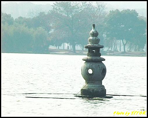 杭州 西湖 (其他景點) - 447 (西湖十景之 三潭印月 其中一個石燈籠)