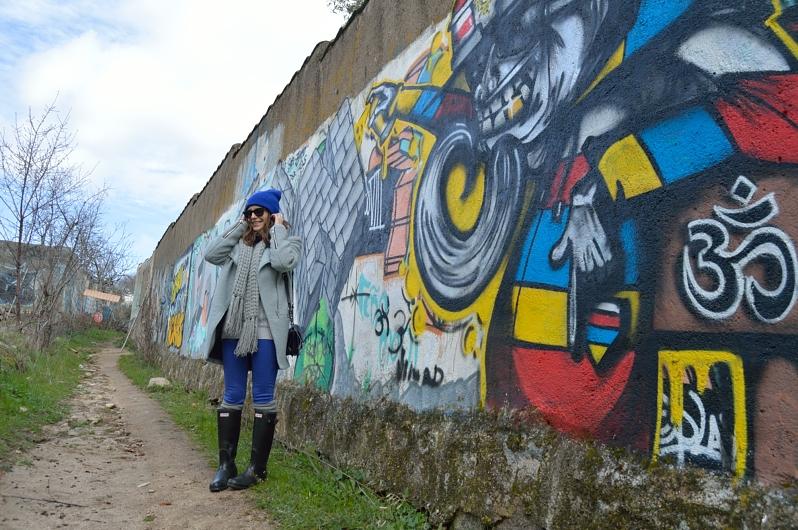 lara-vazquez-madlula-blog-cobalt-grey-colourful-look