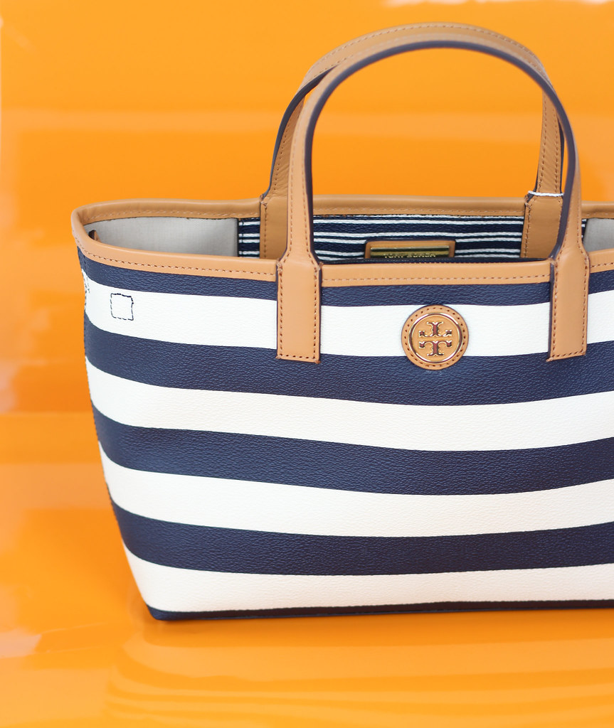 75227944476 ... Tory Burch KERRINGTON MINI SHOPPER