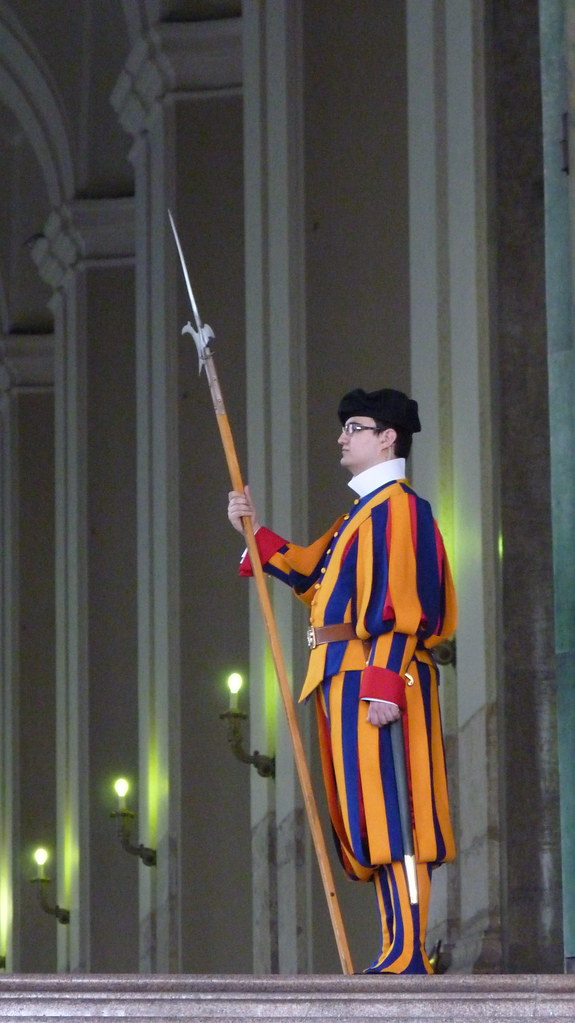 Rome - piazza san pietro, Swiss Guard
