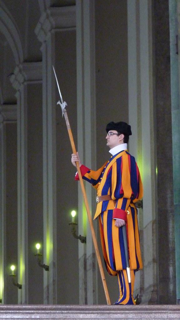 Rome - piazza san pietro, Swiss Guard