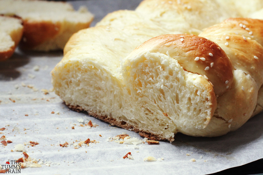 13874272865 814c66e972 b - On falling in love with the beautiful challah bread