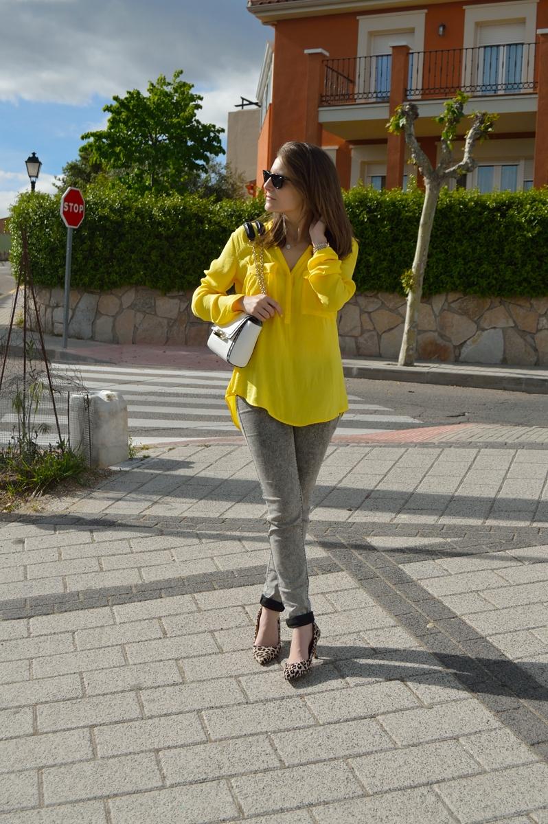 lara-vazquez-madlula-blog-style-yellow-grey-leopard