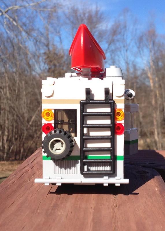 MOD: 7-wide version of 60057 Camper Van - LEGO Town - Eurobricks Forums