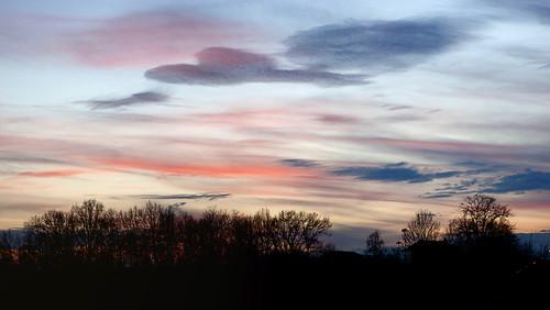 blue winter sunset red sky italy orange clouds canon evening italia tramonto nuvole blu january piemonte inverno rosso piedmont arancio gennaio sera santacristina cressa nubi 2015 canon500d amancer ciaelo borgomanero