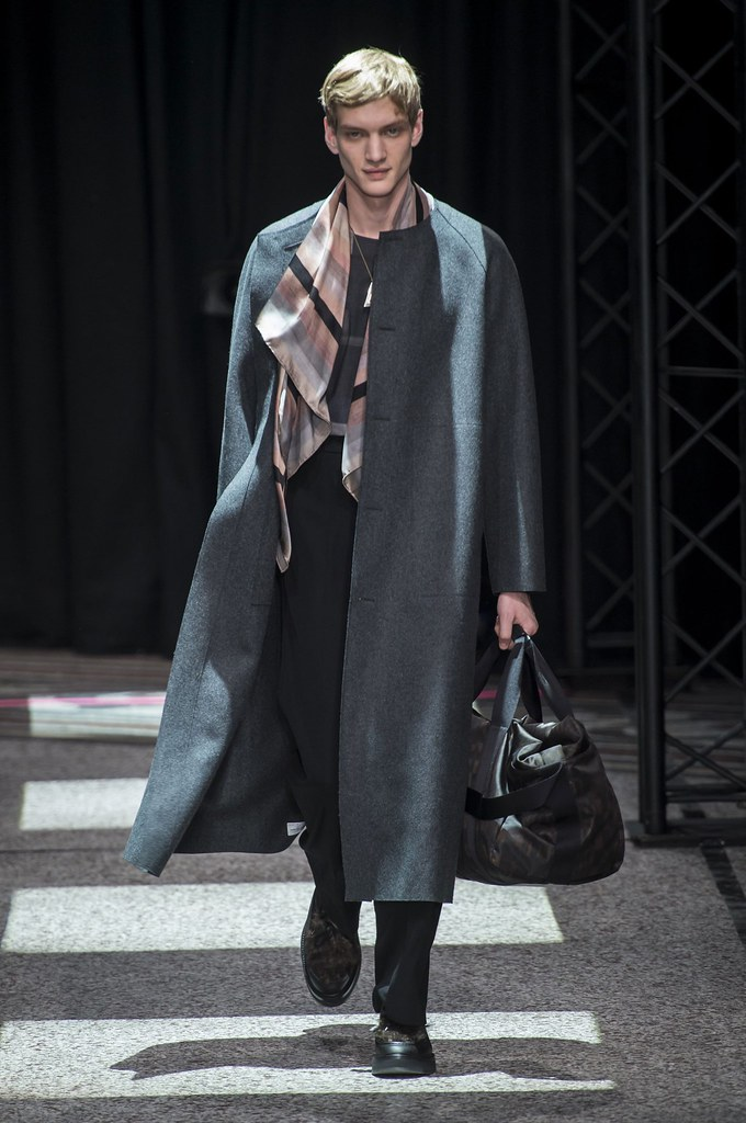 Paul Boche3650_FW15 Paris Paul Smith(fashionising.com)