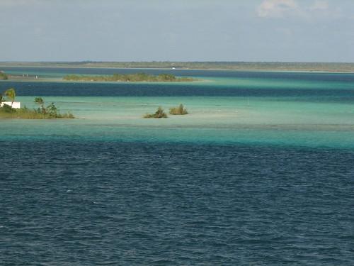 Lake Bacalar blues