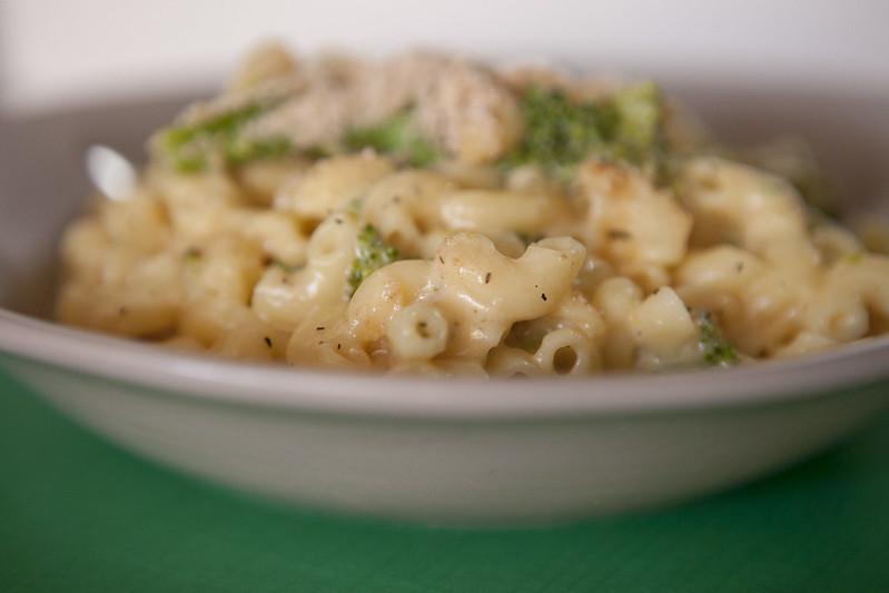 broccoli macaroni and cheeseIMG_2932