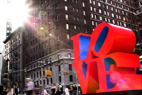 Love sculpture por Kumar Appaiah