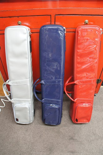 台湾長安楽器ソフトケース(左から銀・青・赤)