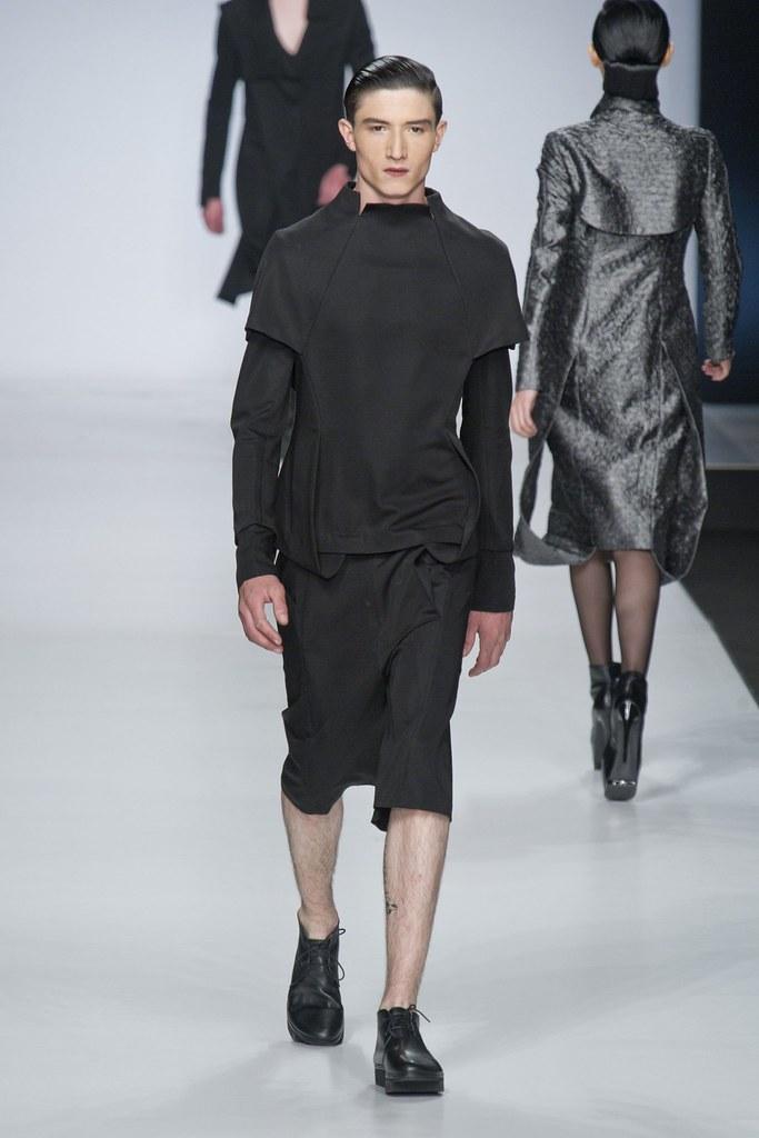 SS14 Milan Ji Wenbo009_Jester White(fashionising.com)