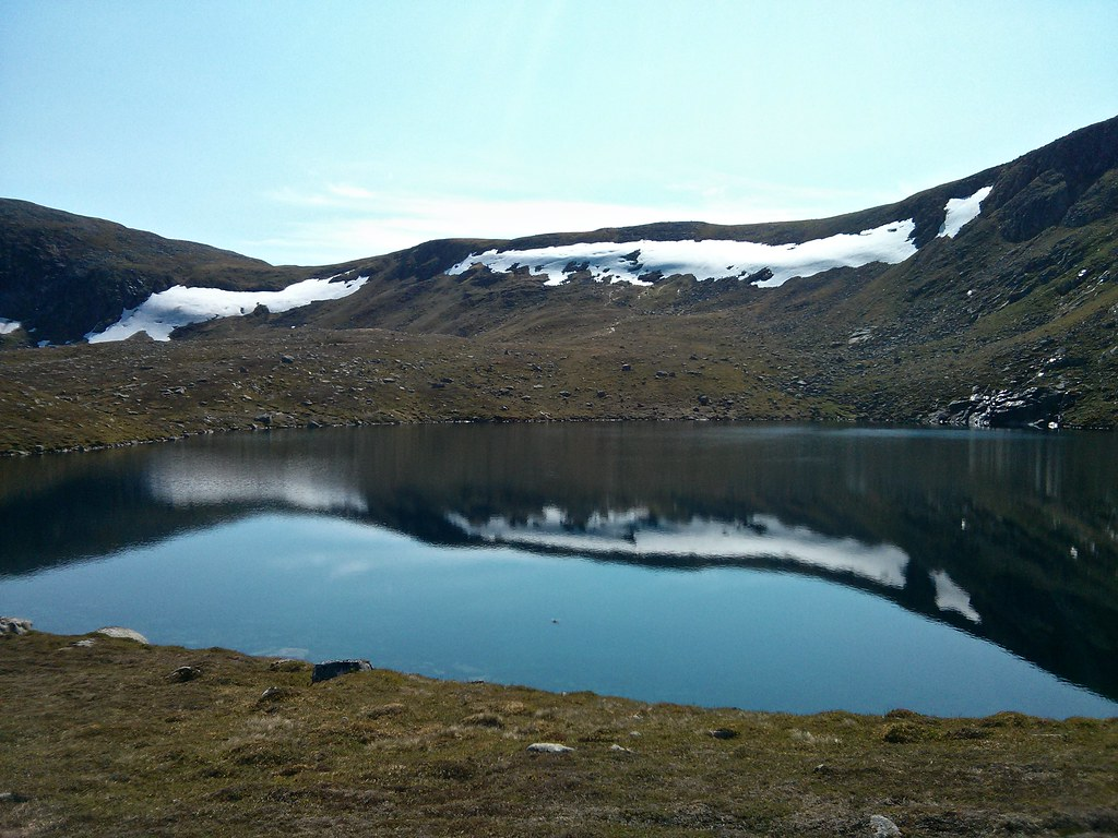 Loch na Eun and snowpatches