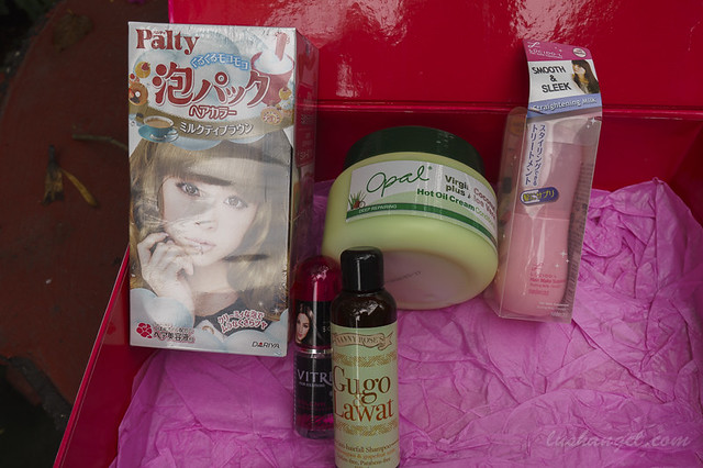 9402907182 d6861d0b7b z SM Beauty Box