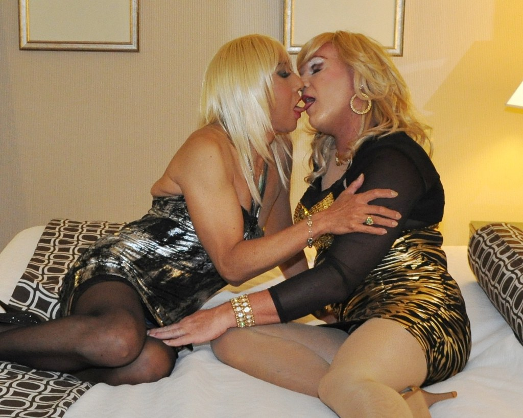 Kissing crossdressers tumblr