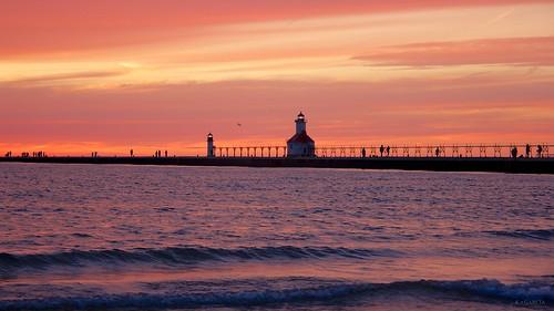 sunset lighthouse beach pier dusk michigan stjoseph saintjoseph silverbeach silverbeachcountypark