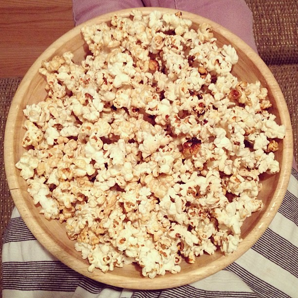 Homemade kettle corn and New Girl. Two more #everydayfaves. What's on your list? #popcorn #food