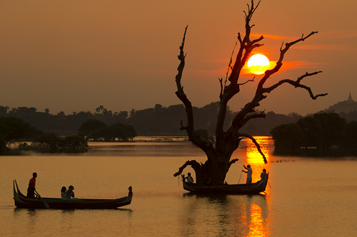 Fishermen in Amapura - Myanmar