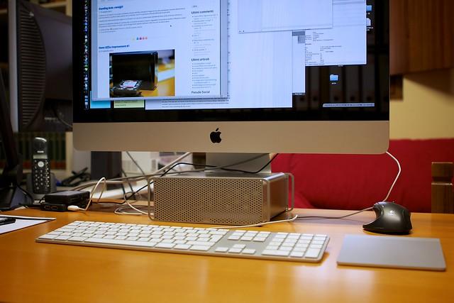 iMac + HiRise (front)