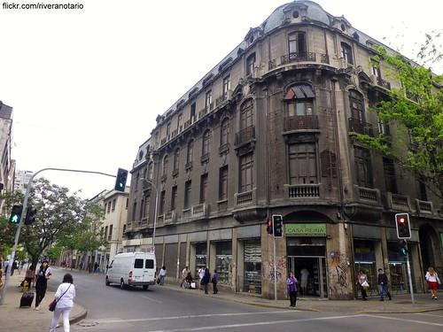 Antiguo edificio Chilena Consolidada - Bandera con Rosas (Santiago, Chile)