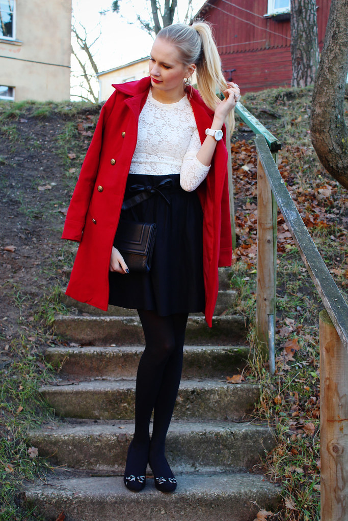 New outfit on Call me Maddie's blog: Maddie is wearing a persunmall red double breasted coat (military inspired), a white almost seethrough lace blouse, blak heels with bows, bow belt from H&M, black tights from H&M, black high waisted skirt from New yorker