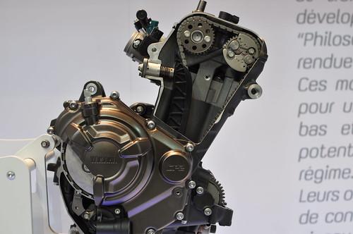 Photos moteur MT-09 ( pour ceux qui ont un pb de distri notamment ) 11352324194_82c51c62b3