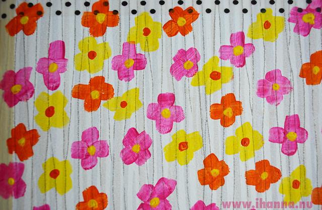 PinkDaisy & YellowDaisy flowers