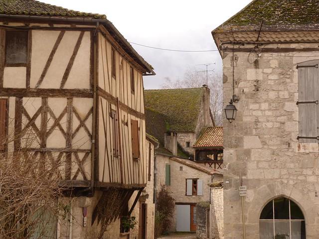 Issigeac, pueblo medieval del Périgord (Aquitania, Francia)