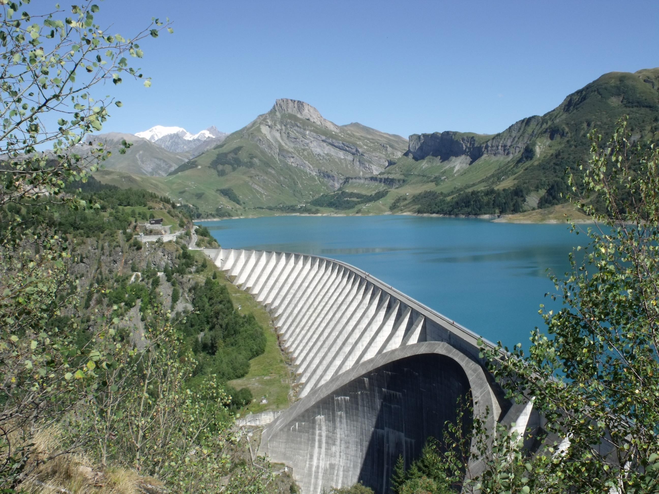 Les chemins de l 39 hydro lectricit barrage de roselend d - Barrage de l odeur ...