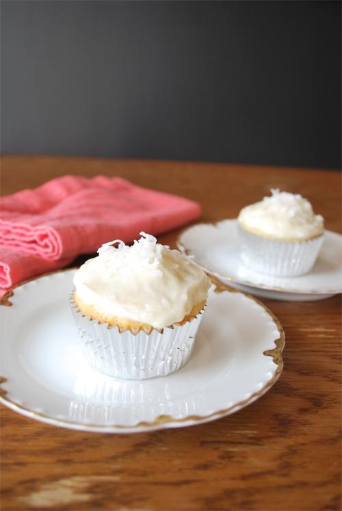 coconut-cupcakes-1