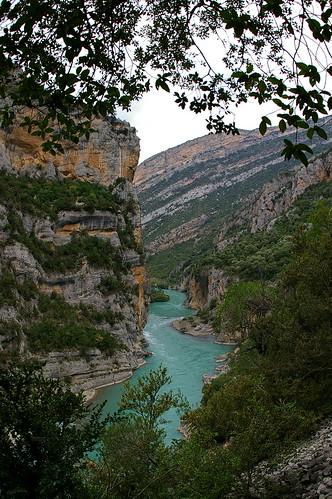 Ligüerre de Cinca, ruta entre pantanos . . .