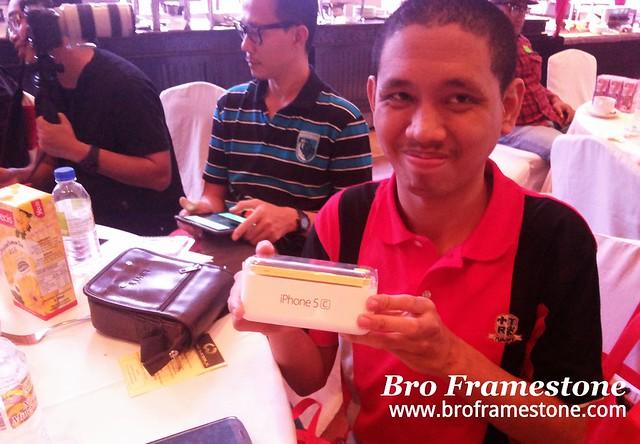 Pemenang iPhone 5C Gold - Khairil Mazri