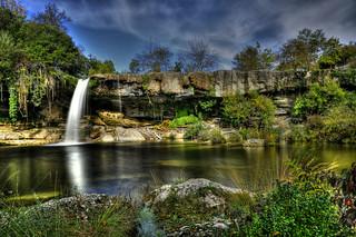 Otra vista de la cascada de Pedrosa de Tobalina.