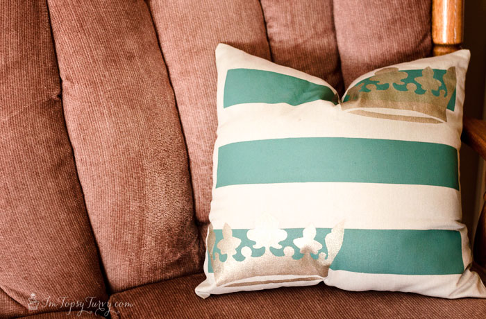 fabric-paint-stencils-pillowcase