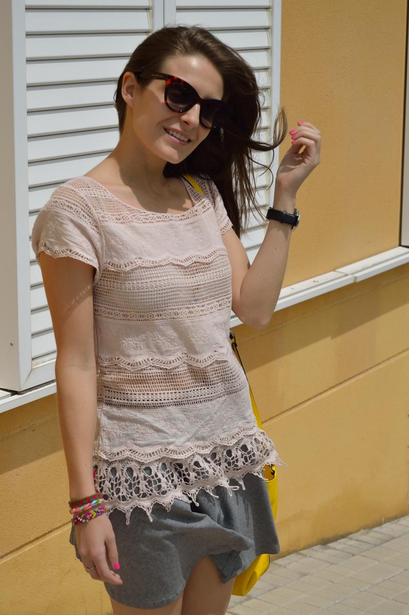 lara-vazquez-madlula-blog-style-soft-lace-pink-grey