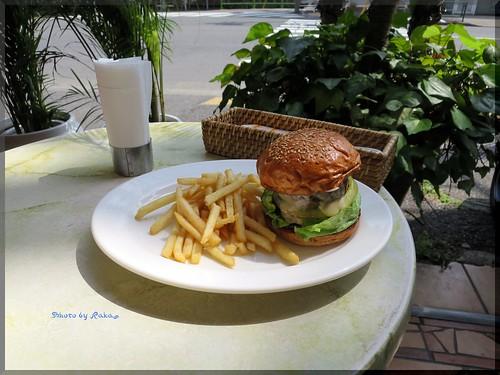 Photo:2014-05-07_ハンバーガーログブック_【三宿】三宿Fungo テラス席のハンバーガーモーニングからこの日はスタート!-04 By:logtaka