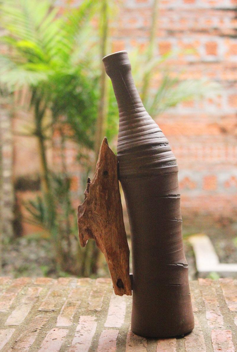 Ugu Bigyan Potter's Garden vase