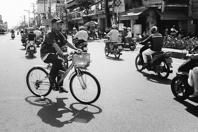 Cycling Saigon-3