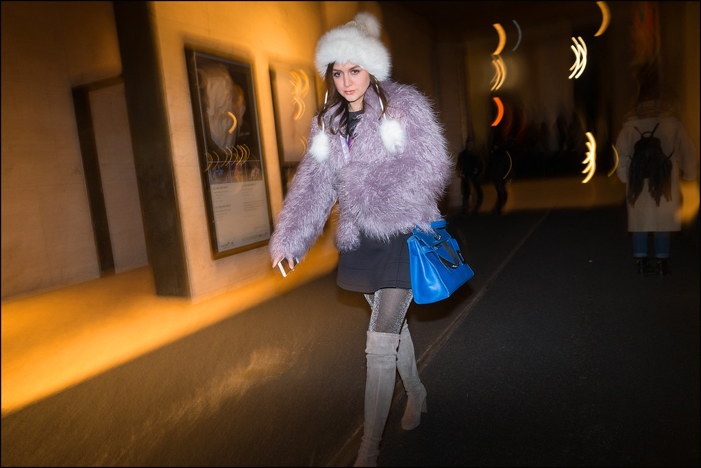 FW2-15  6 w ffur hat pale purple furry jacket black dress oner the knee boots blue back