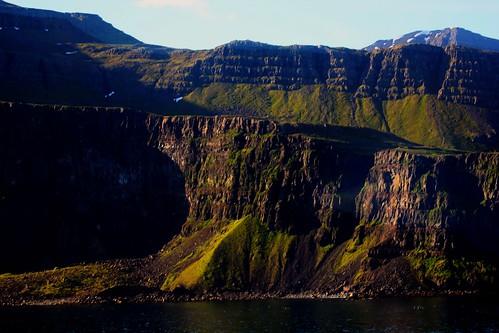 msveendam headingtowards seydijoforduriceland sobergeorge bysobergeorge vov2015 landscape landscapeoficeland mountainscape voyageofthevikings deepnorth