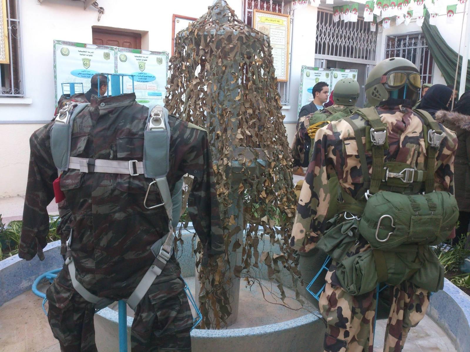 البذلات الجيش الوطني الشعبي الجزائري [ ANP / GN / DGSN / Douanes ]  - صفحة 6 27501148084_88a68b5c15_o