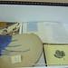 Vitrina con documentos y objetos de la Asociación