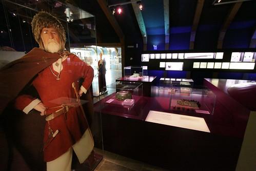 Ausstellung in dem Wikinger Museum Haithabu mit Harm Paulsen als Wikinger - WMH 02-06-2013