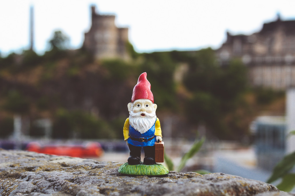 Travelin' gnome