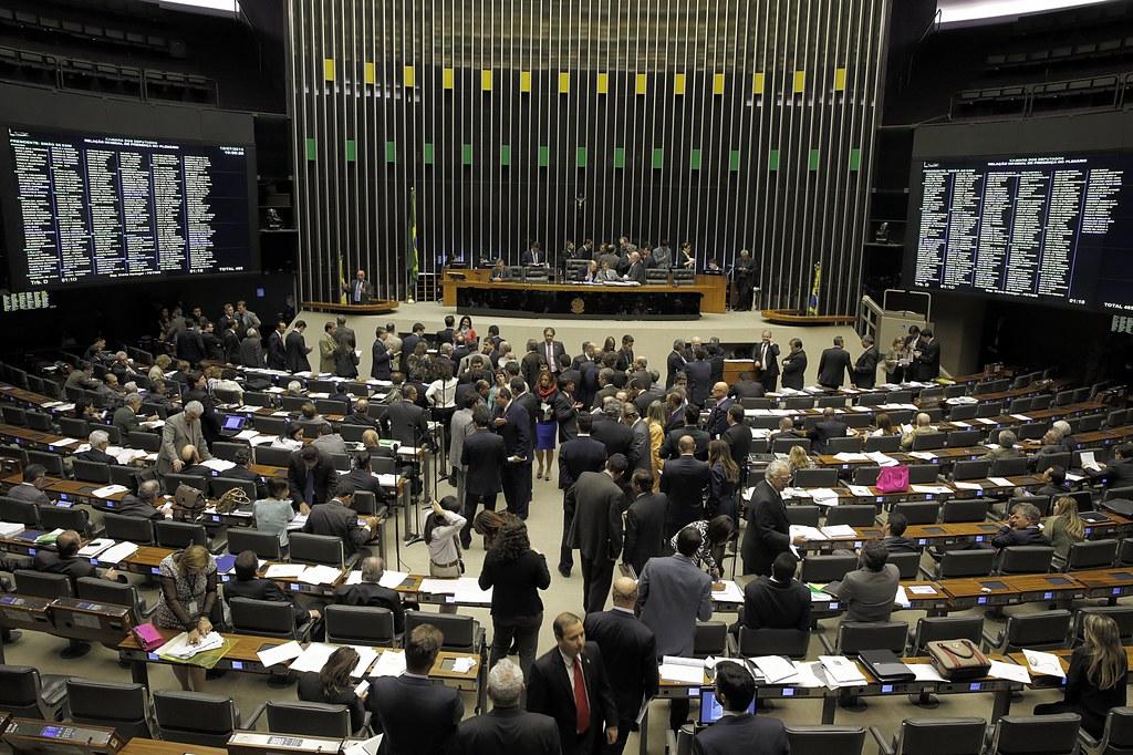 Éder Mauro, Cássio Andrade e Elcione lideram pesquisa da Doxa para deputado federal, Plenário da Câmara dos Deputados