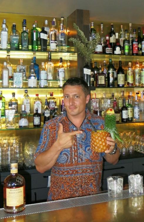 Dean Callan Monkey Shoulder pineapple pic 2