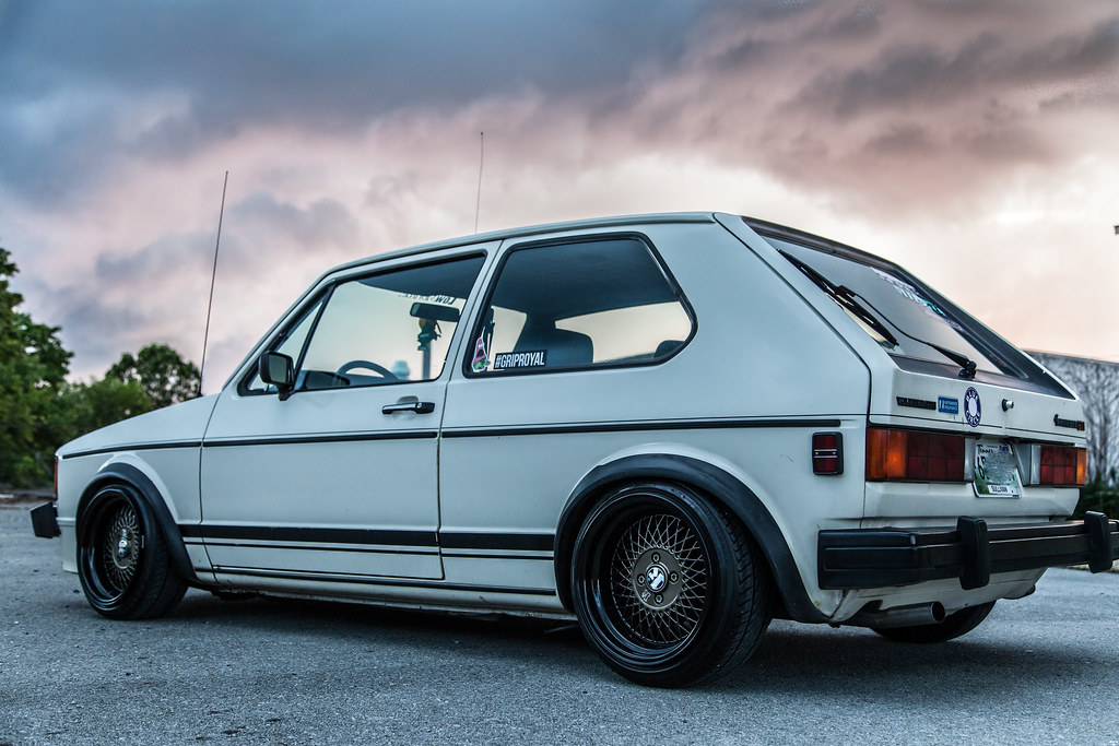 white vw rabbit gti golf mk1 bronze black 15x8.5 et17 klutch sl1 wheels slammed dropped dumped bagged static coilovers hella flush stanced stance fitment low lowered lowest camber wheels tucked 16s 17s 18s 19s 20s 3piece 1 piece custom airbags scene scenester klutch republik