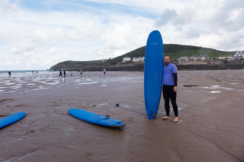 Pro-surfer